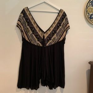 Free People V neck green black tunic size Large